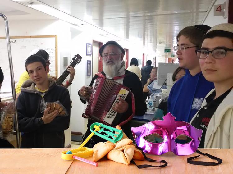 יד אליעזר ותלמידי נתיב מאיר משמחים בבית החולים